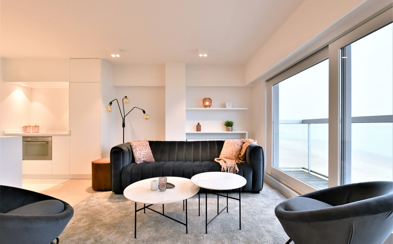 velvet zetel, marmeren salontafels, design interieur, new castel, sunray