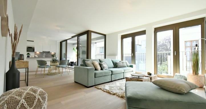 casanova vastgoedstyling boho chic, trendy wonen, wonen in antwerpen, muntfluweel, loungezetel, cores development